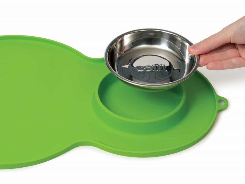 hagen-catit-peanut-placemat-green-easy-to-clean-837x628.jpg